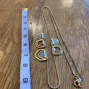 Jewelry - Sale today only!! Golden articulated Necklace